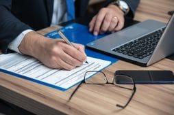 Акт, составленный без владельца недвижимости - не основание для протокола